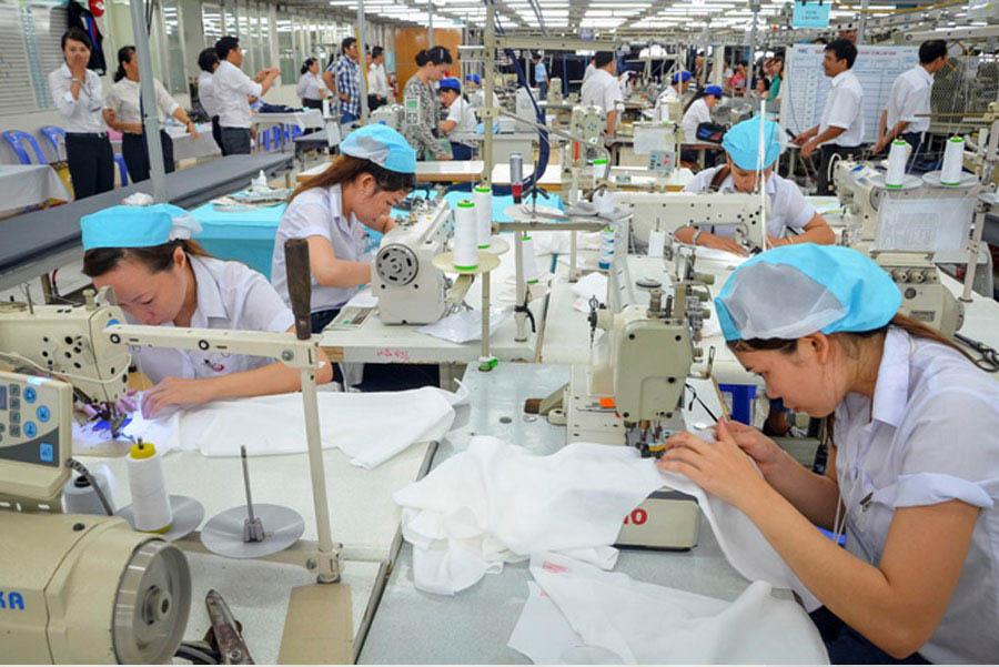 xưởng may áo thun đồng phục thành công